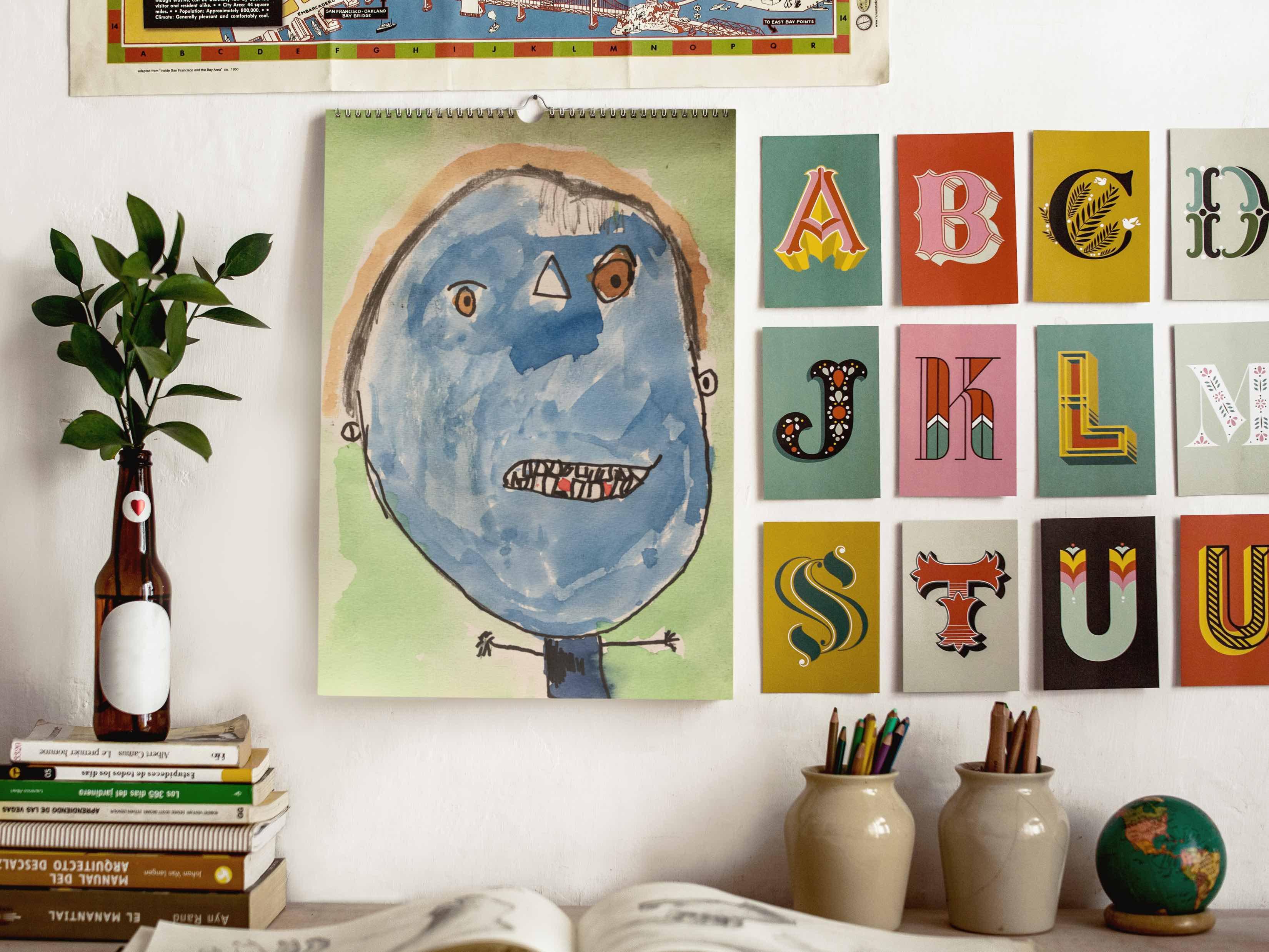 Familiekalender med børnenes tegninger