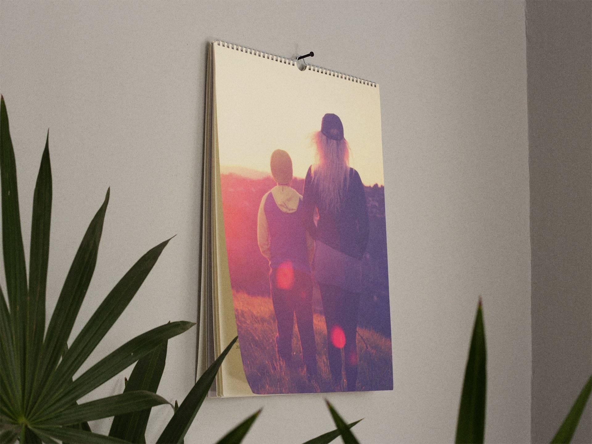 Brug fotokalenderen som udsmykning på den væg